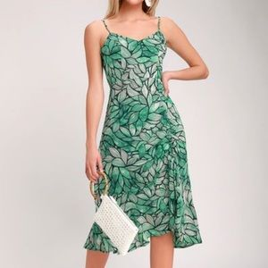Lulu's Tropi-Call Me Leaf Ruched Midi Dress